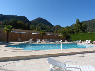 Camping les clos nyons drome provence for Camping montelimar piscine